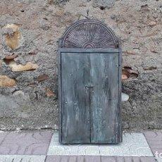 Antigüedades: MUEBLE DE COCINA ANTIGUO MUEBLE ANTIGUO PARA CUBIERTOS MUEBLE AUXILIAR ANTIGUO ESTILO ORIENTAL INDIA. Lote 142524858