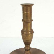 Antigüedades: CANDELABRO DE ALTAR EN BRONCE. PRINCIPIOS SIGLO XX. . Lote 142527482