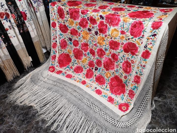 Antigüedades: Maravilloso mantón antiguo con su caja original - Foto 2 - 142547693
