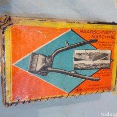 Antigüedades: MÁQUINA ESQUILADORA EN SU CAJA ORIGINAL. Lote 142575753