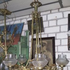 Antigüedades: LAMPARA DE BRONCE Y GLOBOS CRISTAL, 6 LUCES. Lote 142583594