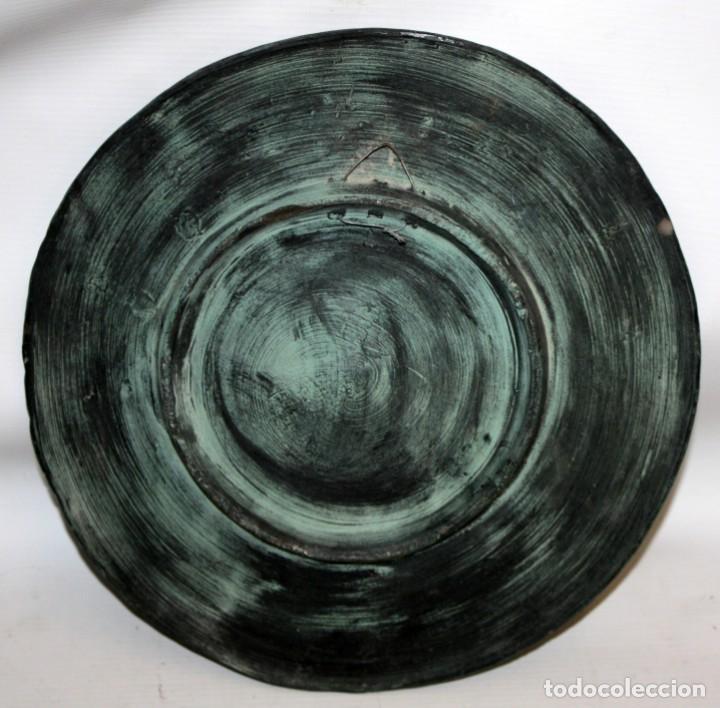 Antigüedades: PLATO DE DON QUIJOTE EN CERAMICA DE QUART. 1ª MITAD SIGLO XX - Foto 3 - 142584974