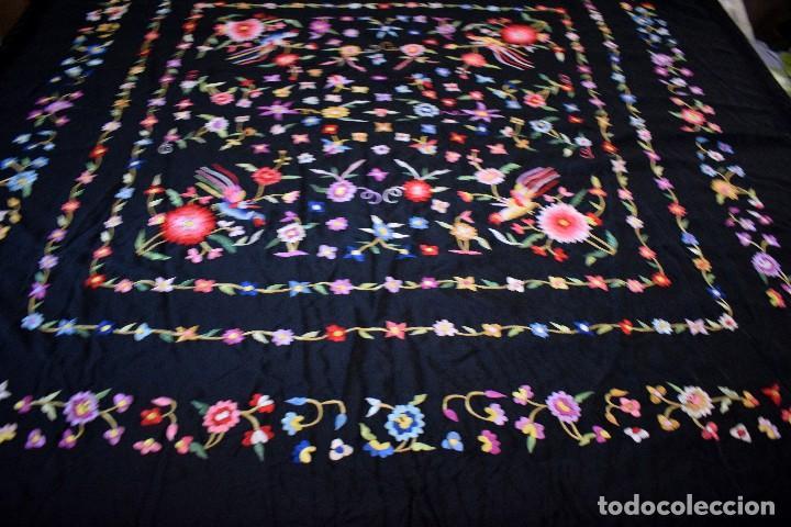 Antigüedades: mantón español antiguo. Bordado en España - Foto 3 - 127932207