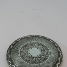 Antigüedades: ANTIGUA POLVERA KIGU DE PLATA PUNZONADA. Lote 142622589