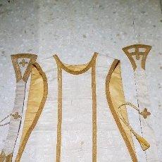Antigüedades: ANTIGUA CASULLA. FABRICADA POR VALENTIN CADEROT. Lote 142638322