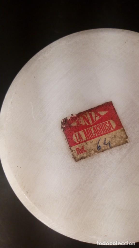 Antigüedades: CAJA CIRCULAR CON TAPA. ALABASTRO, ETIQUETA ENIA LA MILAGROSA. - Foto 3 - 142638982