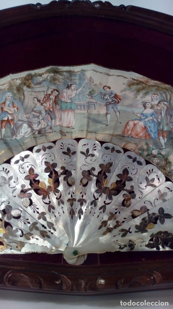 Antigüedades: ABANICO ISABELINO, VARILLAJE EN NÁCAR DE ORNAMENTACIÓN FLORAL. SEGUNDO TERCIO S. XIX. - Foto 29 - 142645614