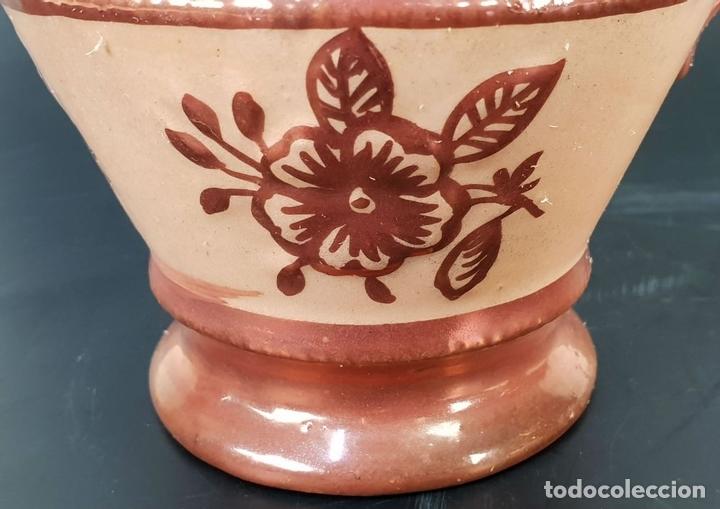 Antigüedades: PAREJA DE JARRAS. CERÁMICA ESMALTADA CON REFLEJOS. ESPAÑA. SIGLO XX. - Foto 3 - 142653826