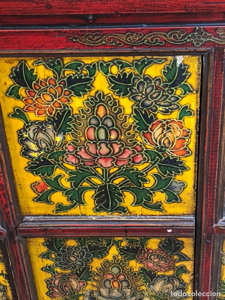 Antigüedades: Bonito mueble tibetano, íntegro en madera años 60-70 quizás anterior - Foto 2 - 142680940