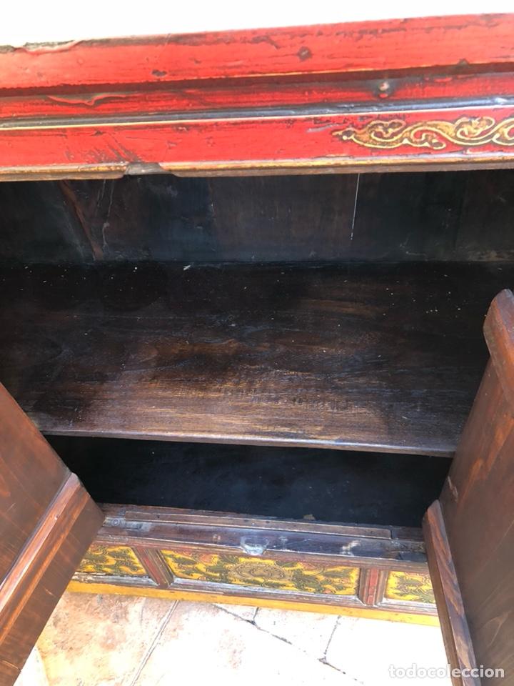 Antigüedades: Bonito mueble tibetano, íntegro en madera años 60-70 quizás anterior - Foto 5 - 142680940