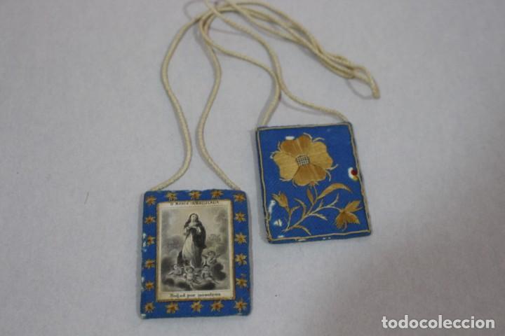 Antigüedades: Antiguo Escapulario de María Inmaculada con motivos florales bordados / principios siglo XX - Foto 6 - 142701470