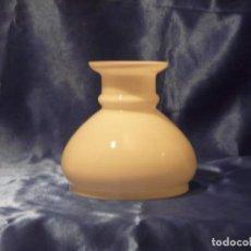 Antigüedades: TULIPA PANTALLA PARA QUINQUE BLANCA 150 MM DE BOCA. Lote 190317675