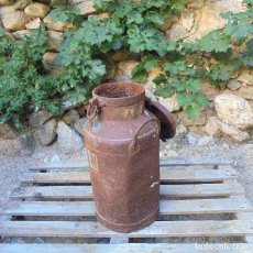 Antigüedades: ANTIGUA LECHERA DE HIERRO 30 LITROS - PPIOS. S.XX. Lote 142718914