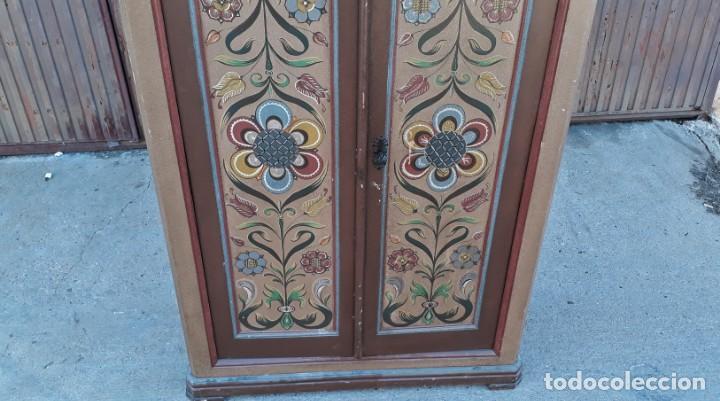 Antigüedades: Armario antiguo policromado estilo oriental India. Armario antiguo barroco pintado motivos florales. - Foto 5 - 142731978
