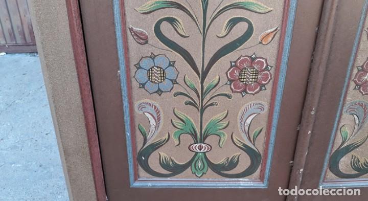 Antigüedades: Armario antiguo policromado estilo oriental India. Armario antiguo barroco pintado motivos florales. - Foto 10 - 142731978