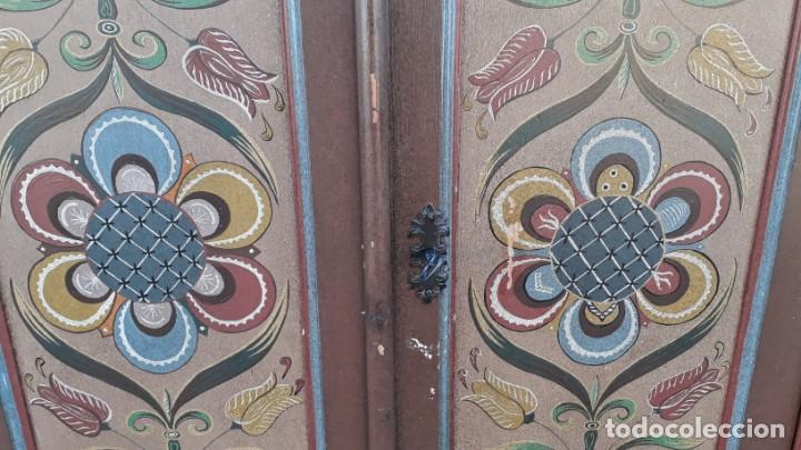 Antigüedades: Armario antiguo policromado estilo oriental India. Armario antiguo barroco pintado motivos florales. - Foto 16 - 142731978