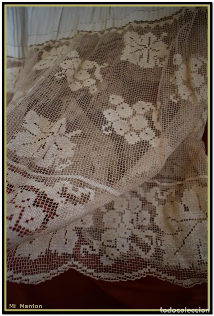 Antigüedades: Alba de adulto plisada en hilo y Roquete infantil lisado con bellos encajes los dos. - Foto 12 - 142735902