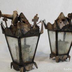 Antigüedades: PAREJA DE FAROLES ANTIGUOS DE ALTAR. Lote 142746594