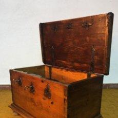 Antigüedades: ARCA ANTIGUO DE AYUNTAMIENTO - BAÚL DE TRES CERRADURAS - PARA GUARDAR DOCUMENTOS BAJO CUSTODIA. Lote 142754602