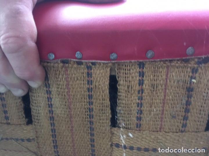 Antigüedades: Conjunto Sofá chesterfield más dos sillones a juego - Foto 3 - 142796032