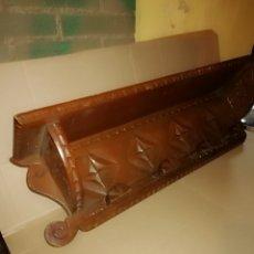 Antigüedades: ANTIGUO PERCHERO DE MADERA TALLADA. Lote 142802448