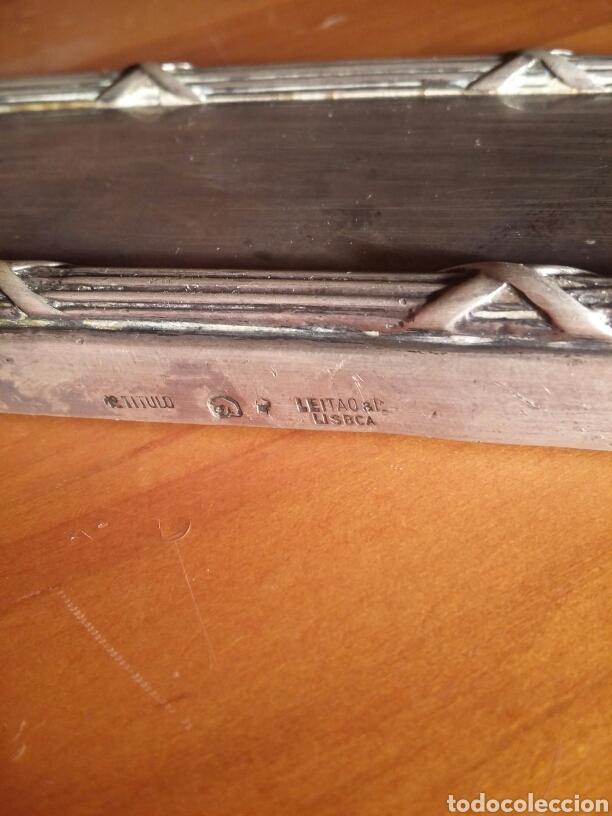 Antigüedades: Juego de porta cepillos de tocador antiguo de plata labrada maciza LEITAO LISBOA - Foto 3 - 142805846