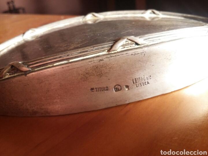 Antigüedades: Juego de porta cepillos de tocador antiguo de plata labrada maciza LEITAO LISBOA - Foto 5 - 142805846