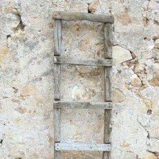 Antigüedades: ANTIGUA ESCALERA RÚSTICA DE TABLAS. Lote 142822386