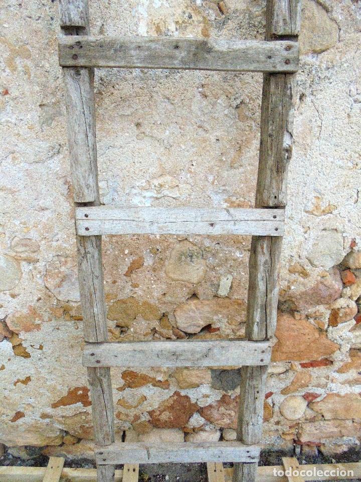 Antigüedades: ANTIGUA ESCALERA RÚSTICA DE TABLAS - Foto 2 - 142822386