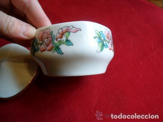 Antigüedades: CAJA DE PORCELANA DECORADA CON FLORES - Foto 4 - 142891134