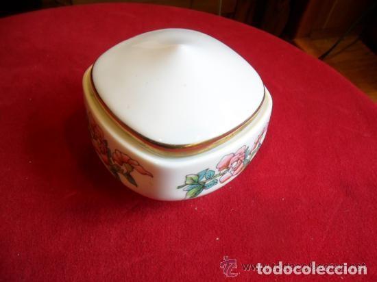 Antigüedades: CAJA DE PORCELANA DECORADA CON FLORES - Foto 7 - 142891134