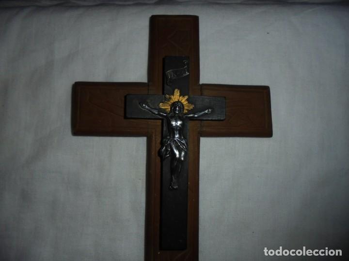 Antigüedades: CRUCIFIJO DE MADERA CRISTO DE METAL - Foto 3 - 142919110