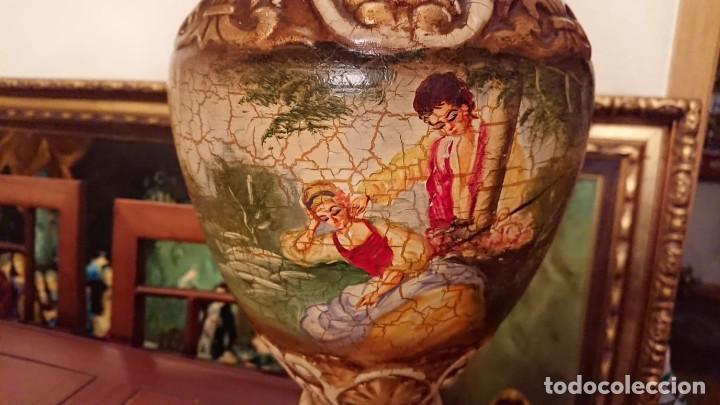 ANTIGUA LÁMPARA CERÁMICA PINTADA AL ÓLEO (Antigüedades - Iluminación - Lámparas Antiguas)