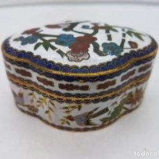 Antigüedades - Hermosa caja china de esmaltes cerámicos cloisonne con motivos de jardines y pajaritos. - 142979794