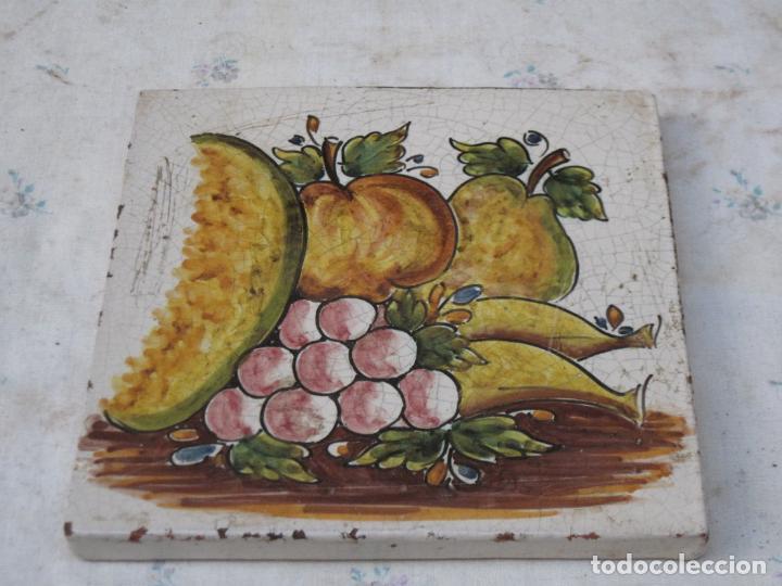 AZULEJO GRANDE DE COCINA EN CERAMICA PINTADA Y VIDRIADA DE TALAVERA. (Antigüedades - Porcelanas y Cerámicas - Azulejos)