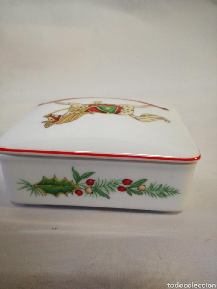 Antigüedades: Cajita de porcelana fina Portuguesa. Marca vista alegre. Caja para guardar baraja - Foto 4 - 143034073