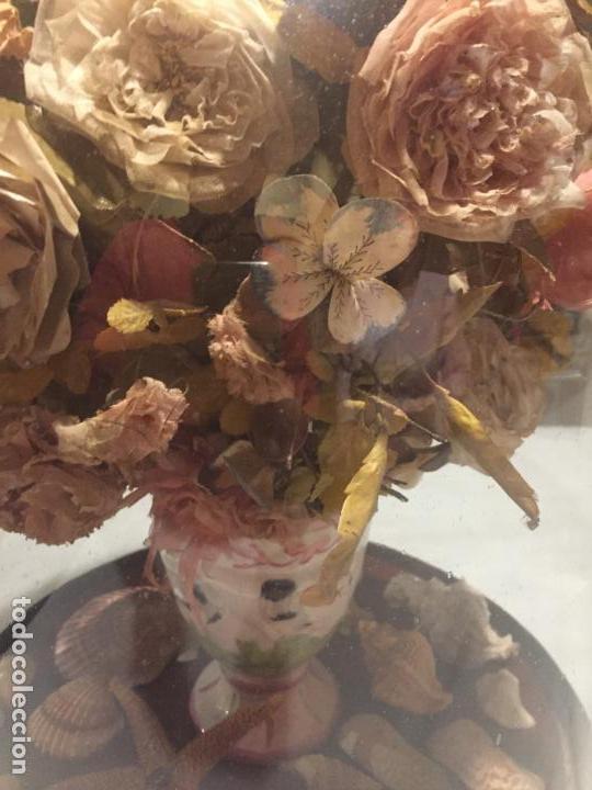 Antigüedades: Antiguo fanal de cristal soplado a mano Mallorquin peana y pomo flores de ropa isabelino siglo XIX - Foto 5 - 143041698