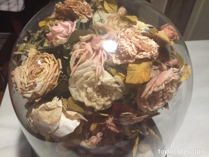 Antigüedades: Antiguo fanal de cristal soplado a mano Mallorquin peana y pomo flores de ropa isabelino siglo XIX - Foto 6 - 143041698
