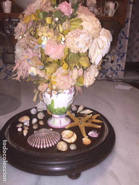 Antigüedades: Antiguo fanal de cristal soplado a mano Mallorquin peana y pomo flores de ropa isabelino siglo XIX - Foto 13 - 143041698