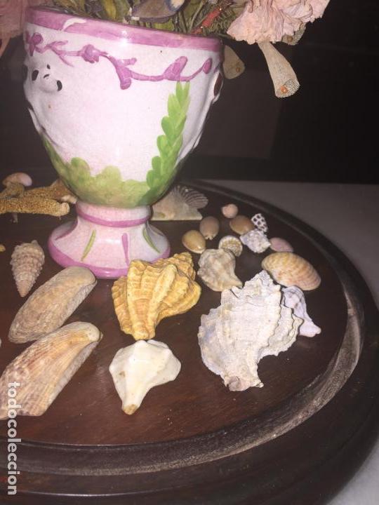 Antigüedades: Antiguo fanal de cristal soplado a mano Mallorquin peana y pomo flores de ropa isabelino siglo XIX - Foto 17 - 143041698