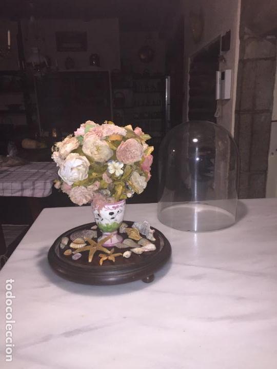 Antigüedades: Antiguo fanal de cristal soplado a mano Mallorquin peana y pomo flores de ropa isabelino siglo XIX - Foto 21 - 143041698
