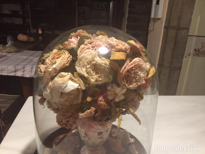 Antigüedades: Antiguo fanal de cristal soplado a mano Mallorquin peana y pomo flores de ropa isabelino siglo XIX - Foto 22 - 143041698