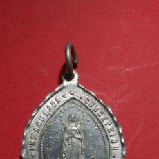 Antigüedades: ANTIGUA MEDALLA DE NTRA. SRA. DE LOURDES. 3,9 X 2,7 CM.. Lote 143073634