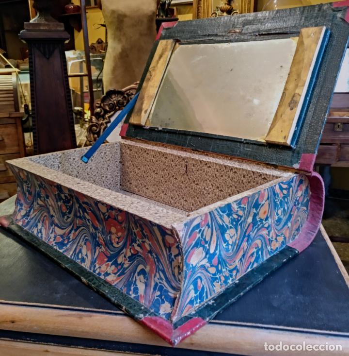 ANTIGUO SECRETER EN FORMA DE GRAN LIBRO , CON CAJON SECRETO , ORIGINAL SIGLO 19 (Antigüedades - Hogar y Decoración - Cajas Antiguas)