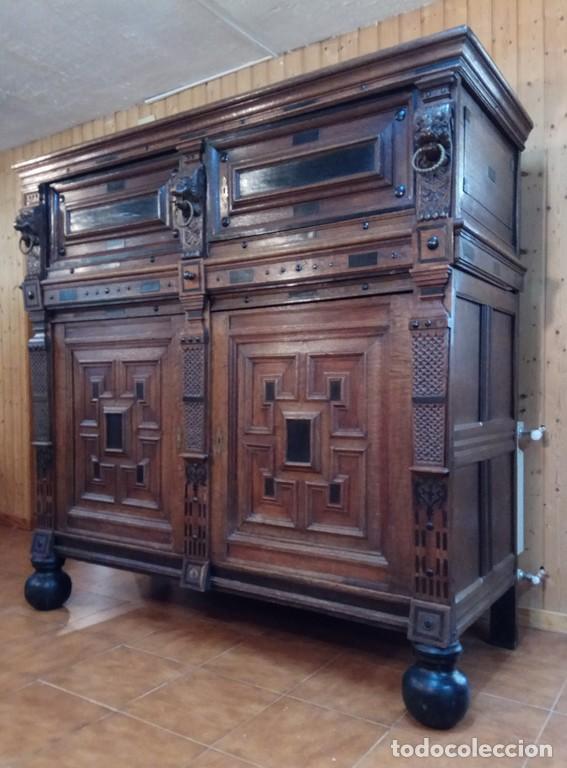 APARADOR FLAMENCO DEL SIGLO XVII ARMOIRE FLAMANDE DU XVIIS. (Antigüedades - Muebles Antiguos - Aparadores Antiguos)