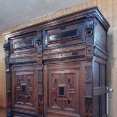 Antigüedades: APARADOR FLAMENCO DEL SIGLO XVII ARMOIRE FLAMANDE DU XVIIS.. Lote 143129590