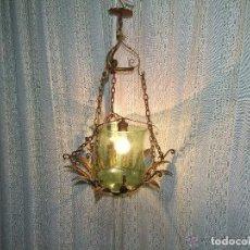 Antigüedades: LAMPARA DE HIERRO Y CRISTAL VERDE. Lote 143154282