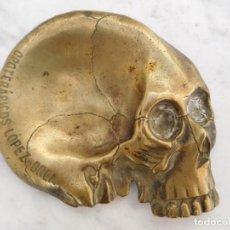 Antigüedades: CENICERO DE BRONCE EN FORMA DE CALAVERA OPOTERÁPICOS LÓPEZ BREA. Lote 143155242
