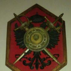 Antigüedades: ANTIGUO ESCUDO DE ARMAS CON AGUILA BICEFALA. Lote 143231718