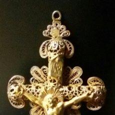 Antigüedades: PRECIOSA CRUZ ISABELINA REALIZADA EN FILIGRANA Y PLATA SOBREDORADA SIGLO. XIX. Lote 143341808